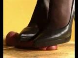 chaussure noire à talons hauts